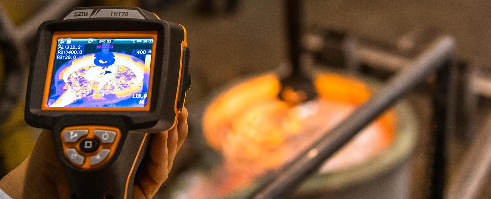 Advanced infrared thermal camera with touch-screen display, PiP function and resolution 384x288pxl